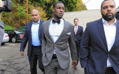 leveon bell bow tie outside court