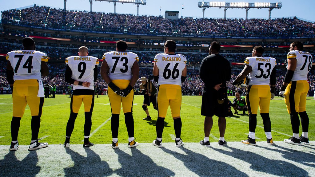 Steelers-national-anthem-stand